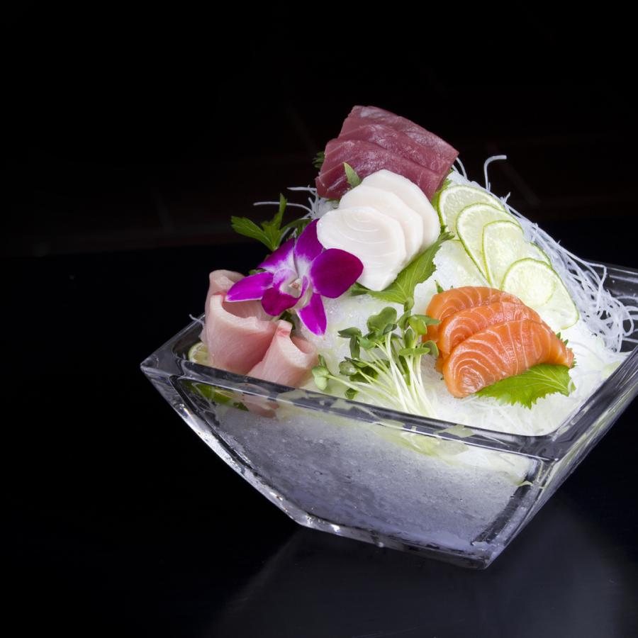 Oishii Sushi and Heartbeat KTV Lounge - The Restaurant